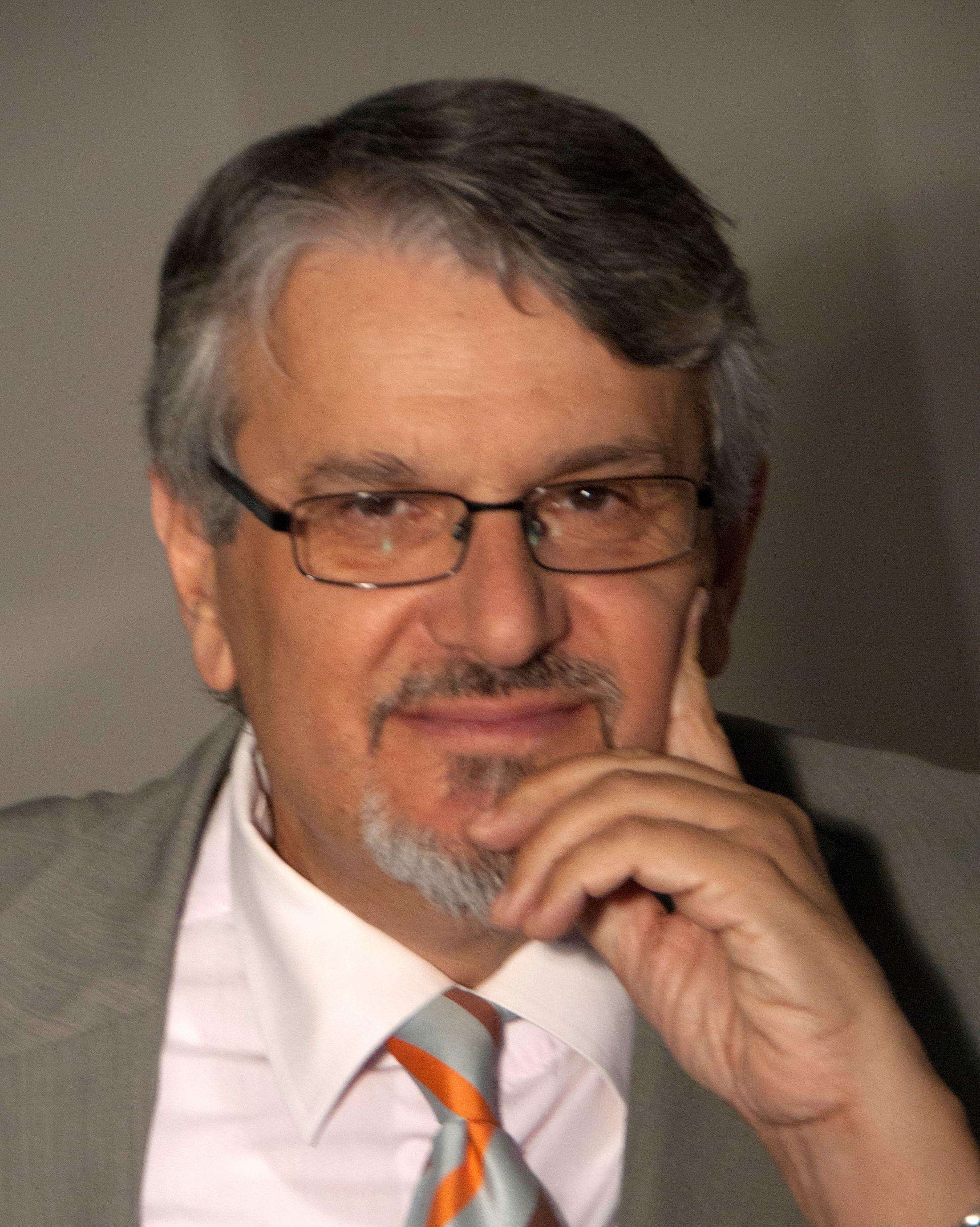 Dr. George Papaioannou